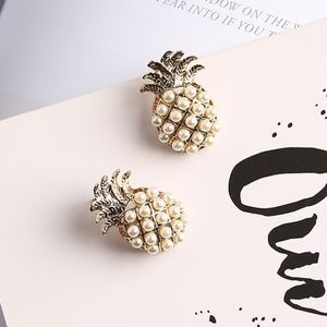 NWT Cute pearl with gold  Pineapple design ! Cute
